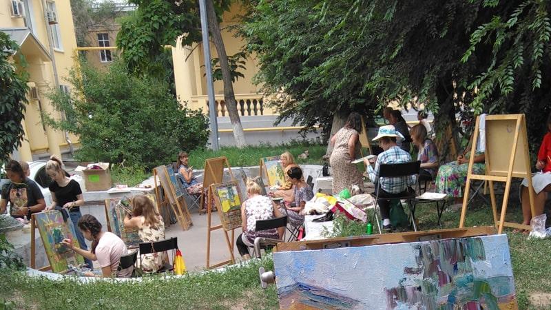 Пленэр на улице Мира в Волгограде.