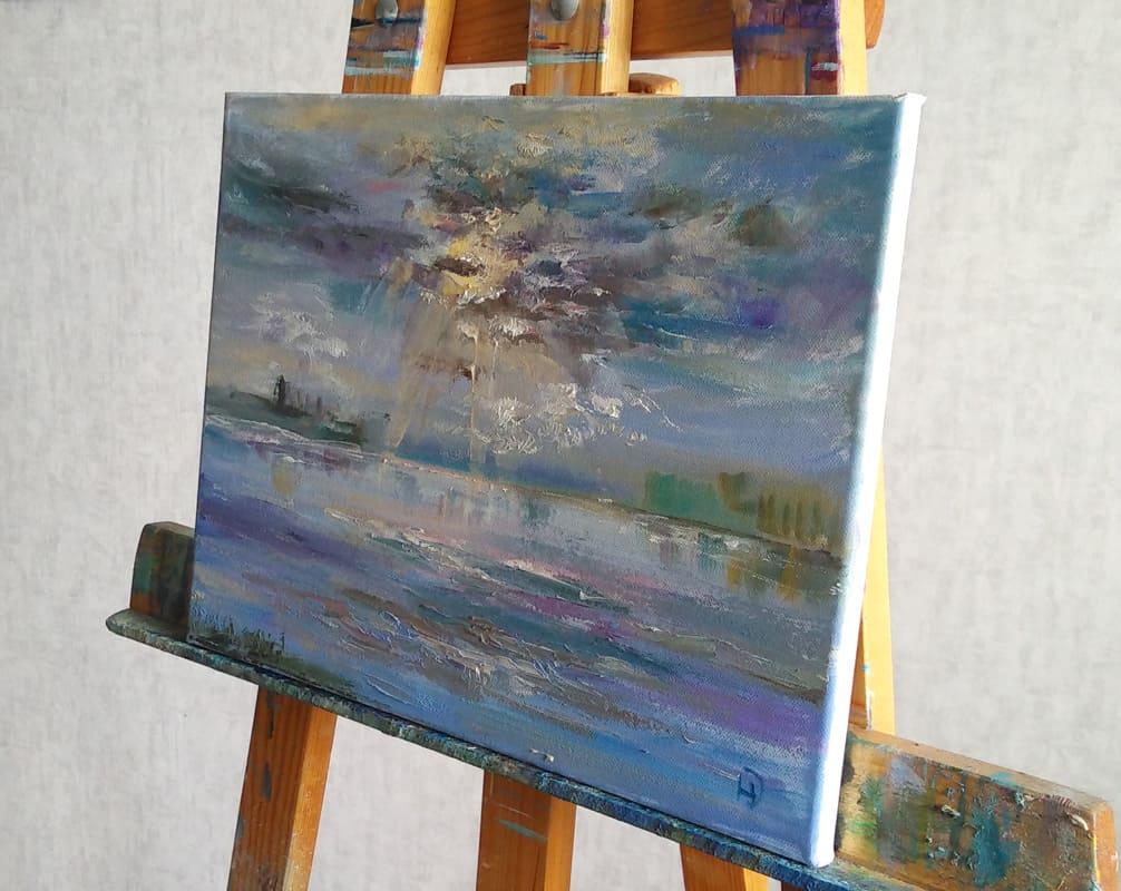 """Картина    """"Рассвет на Волге""""на молберте"""