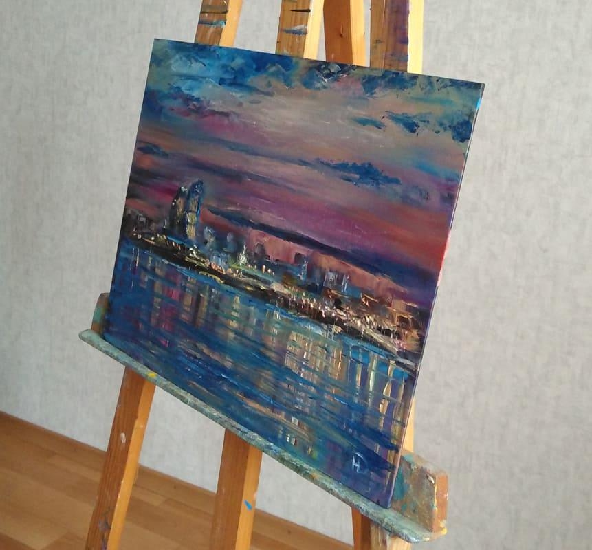 "Картина маслом ""Вечерний Волгоград"" на мольберте"